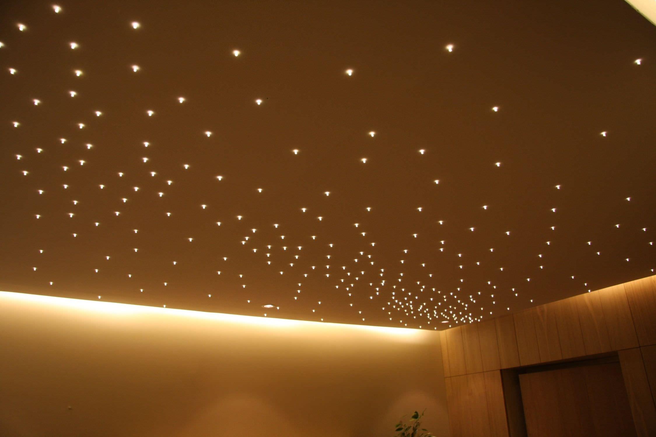 Как красиво сделать свет на потолке